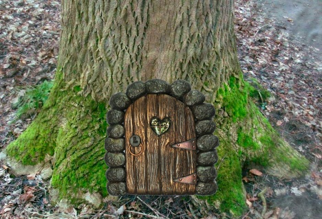 2016 Fairy Door on Tree copy