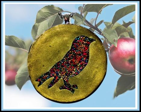 2018 Bird in apple tree